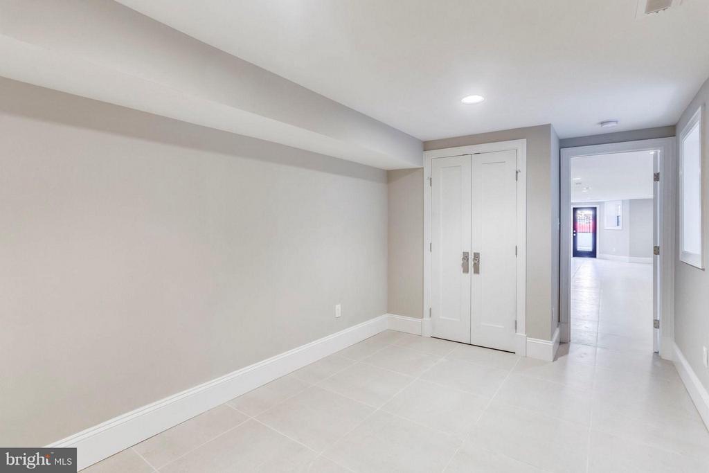 Bedroom 4 lower level - 616 14TH ST NE, WASHINGTON