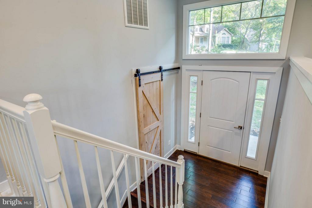 1/2 bath in the foyer - 116 FEDERAL RD, LOCUST GROVE