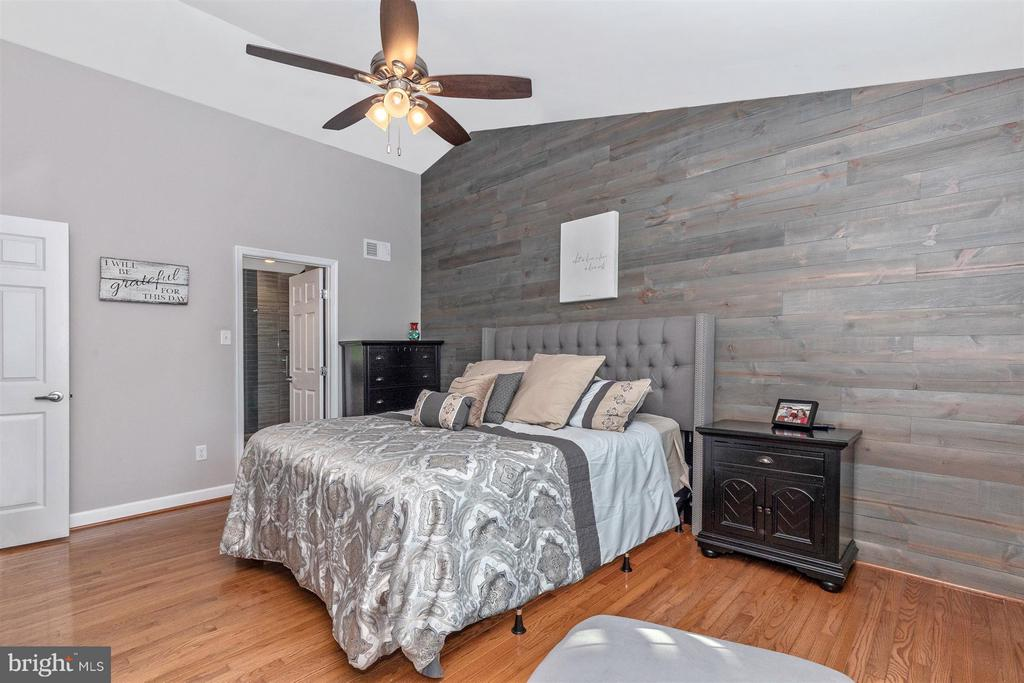 Master Bedroom-Hardwood Floors - 6045 DOUGLAS AVE, NEW MARKET