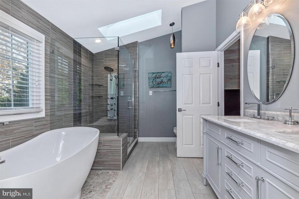 Master Bathroom-Large Frameless Shower - 6045 DOUGLAS AVE, NEW MARKET