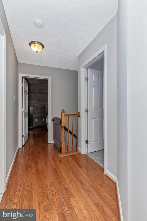 Upper Level Hall-Hardwood Floors - 6045 DOUGLAS AVE, NEW MARKET