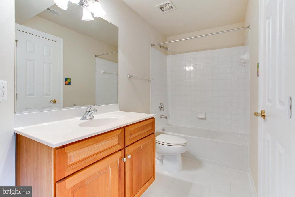 Basement bathroom - 43047 MONTI CIMINI CT, ASHBURN
