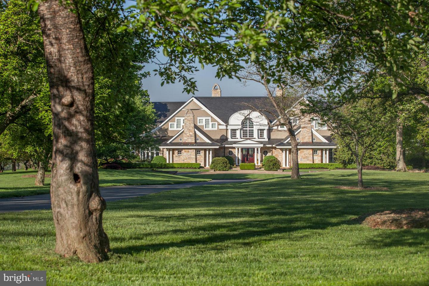 Single Family for Sale at 2550 Landmark School Rd The Plains, Virginia 20198 United States