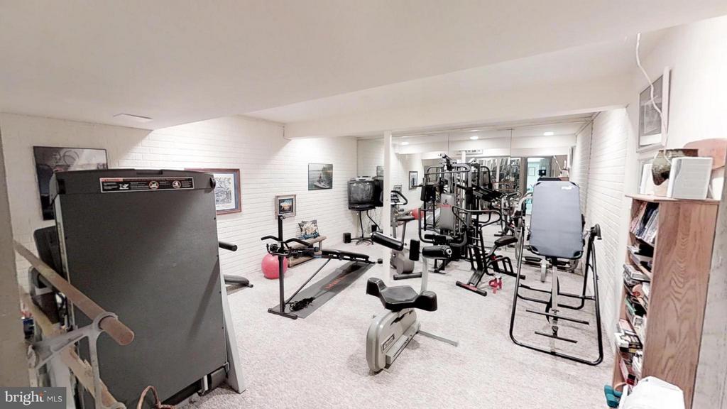 Large exercise room - 11713 WAYNE LN, BUMPASS