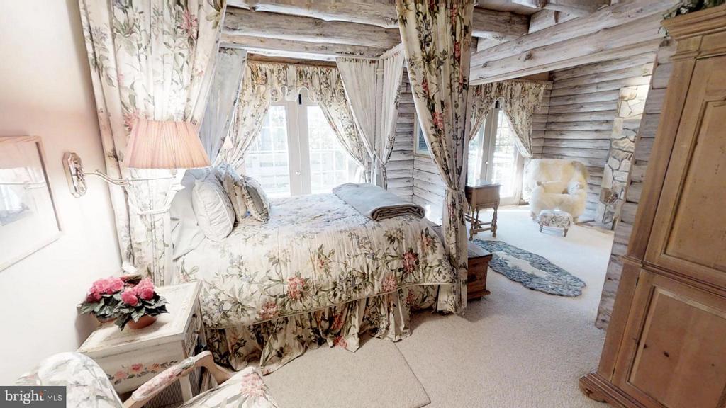 Master Bedroom also has a sitting room - 11713 WAYNE LN, BUMPASS