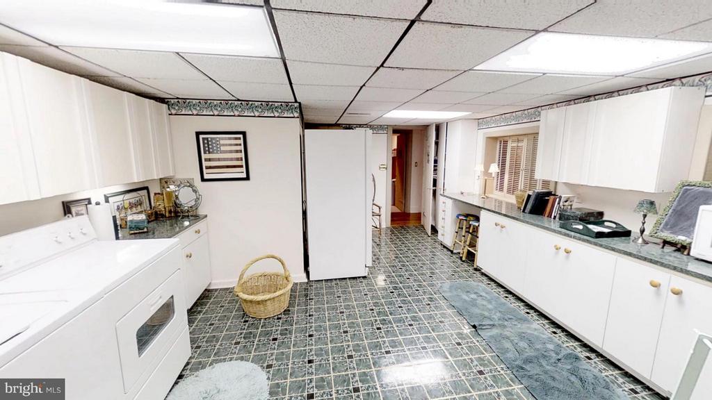Mud Room has washer, dryer and extra fridge - 11713 WAYNE LN, BUMPASS