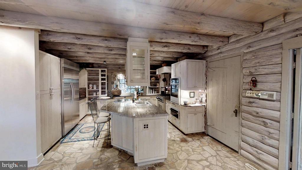 Gourmet Kitchen - 11713 WAYNE LN, BUMPASS