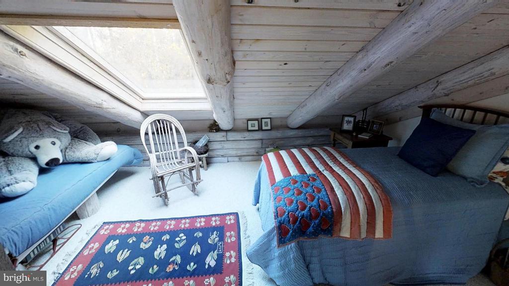 Upstairs Bedroom has lots of light - 11713 WAYNE LN, BUMPASS