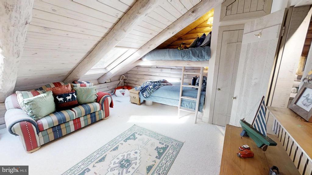 Built in Bunk Beds - 11713 WAYNE LN, BUMPASS