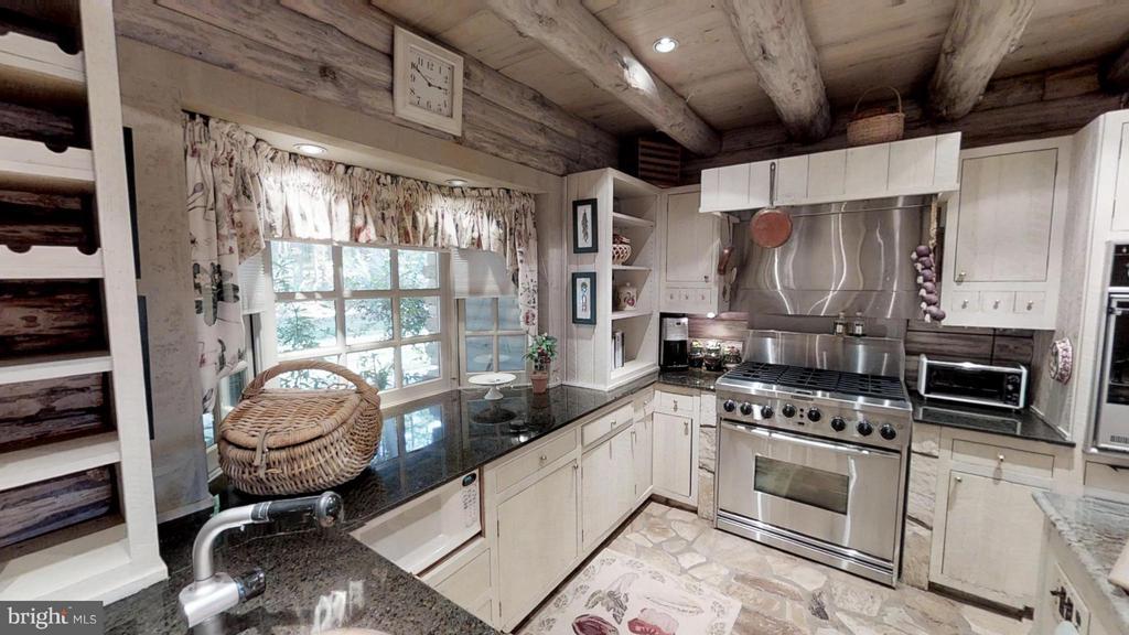 Kitchen has 6 burner stove and warming drawer - 11713 WAYNE LN, BUMPASS