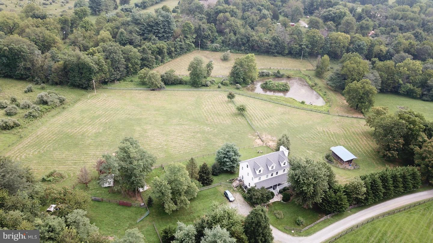 Single Family for Sale at 14376 Campbell Farm Ln Lovettsville, Virginia 20180 United States