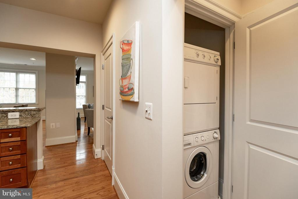 Stackable Washer and Dryer - 635 FIRST ST #303, ALEXANDRIA