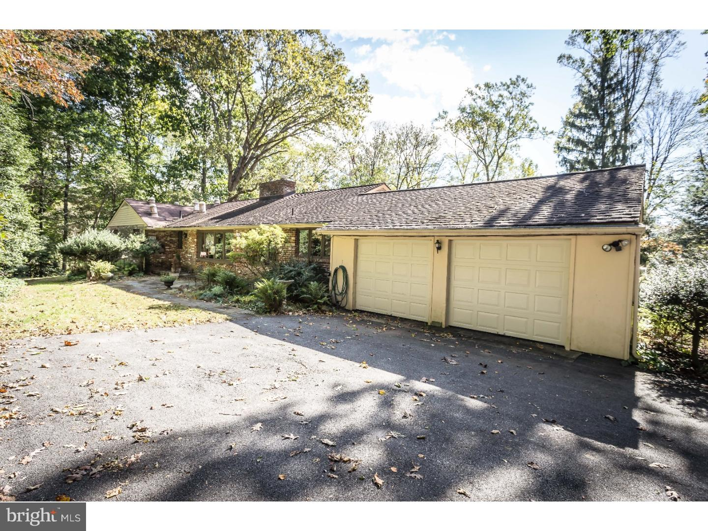 Photo of home for sale at 861 Crum Creek Road, Media PA