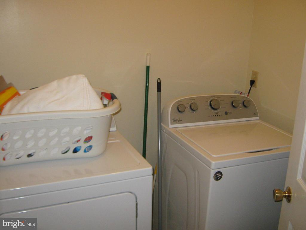 Interior (General) Main home laundry room - 804 TELEGRAPH RD, STAFFORD