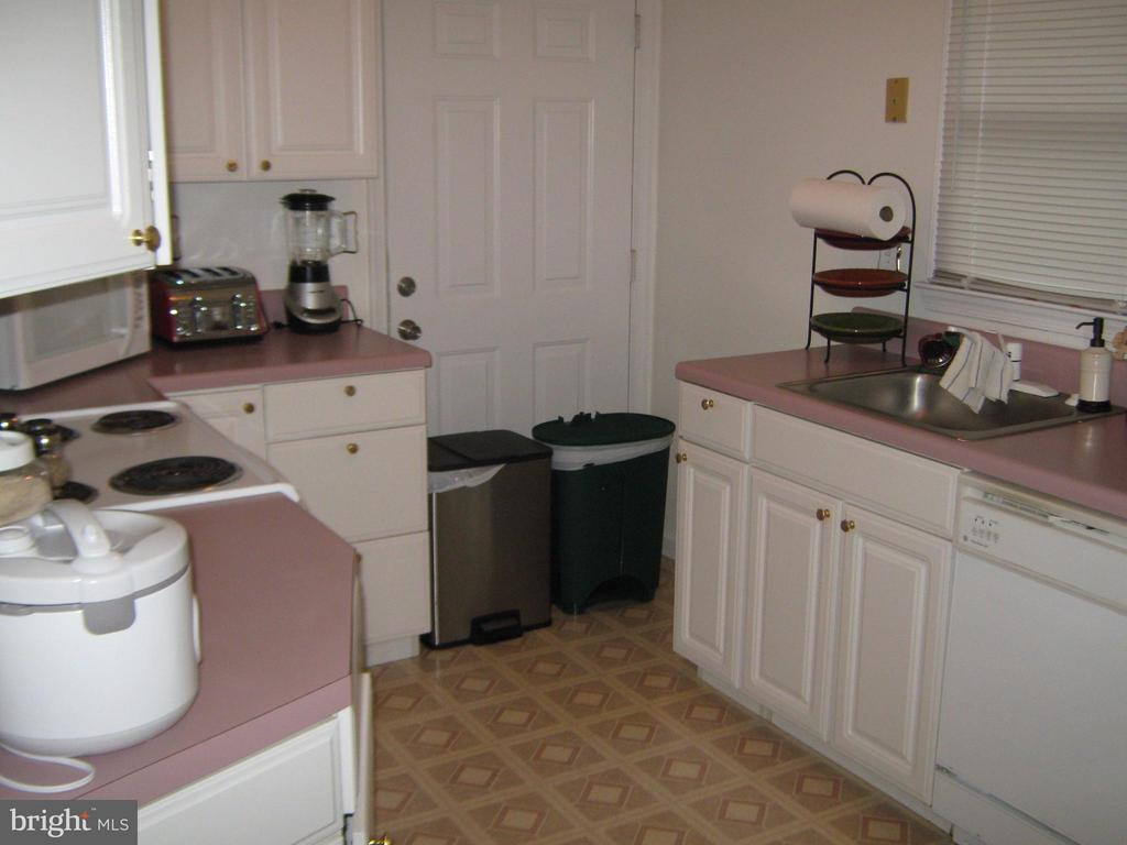 Kitchen 2nd house kitchen - 804 TELEGRAPH RD, STAFFORD