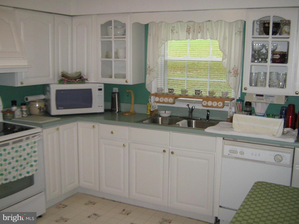 Kitchen Main home - 804 TELEGRAPH RD, STAFFORD