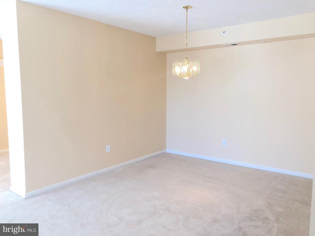 Entertain in style in formal Dining Room - 19365 CYPRESS RIDGE TER #216, LEESBURG