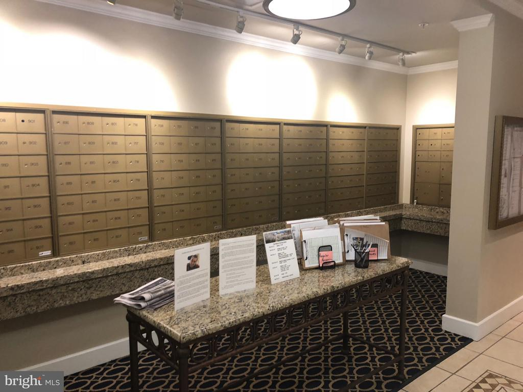 Mail Room and Activity Desk - 19365 CYPRESS RIDGE TER #216, LEESBURG