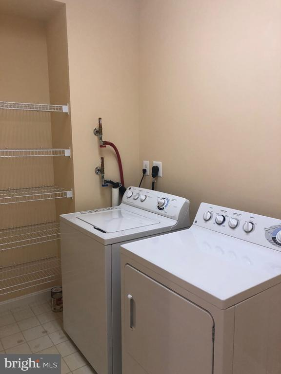 Huge Laundry Room with linen storage - 19365 CYPRESS RIDGE TER #216, LEESBURG