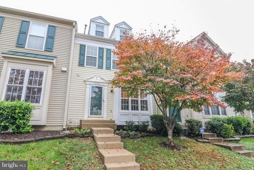Property for sale at 6005 Raina Dr, Centreville,  VA 20120