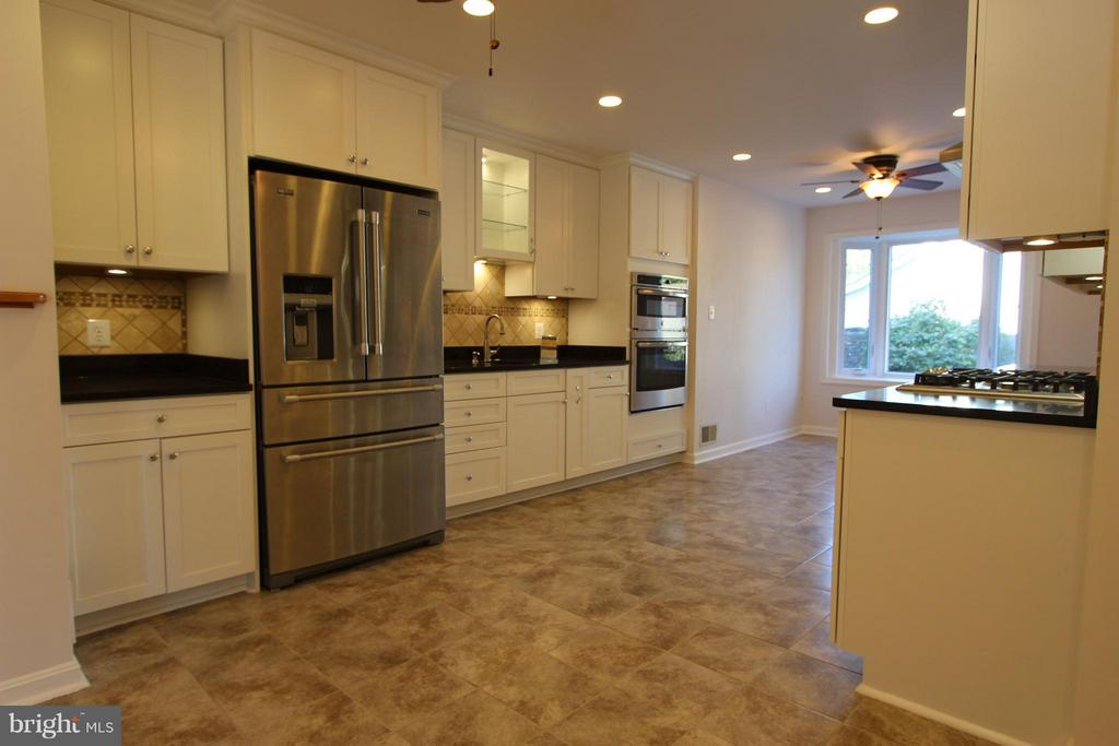 Spacious Kitchen with Soft Close Cabinetry - 1915 ANDERSON RD, FALLS CHURCH