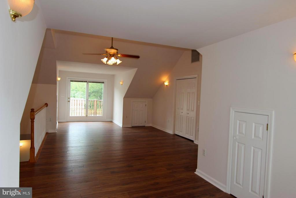 Upper Family Room - 1915 ANDERSON RD, FALLS CHURCH