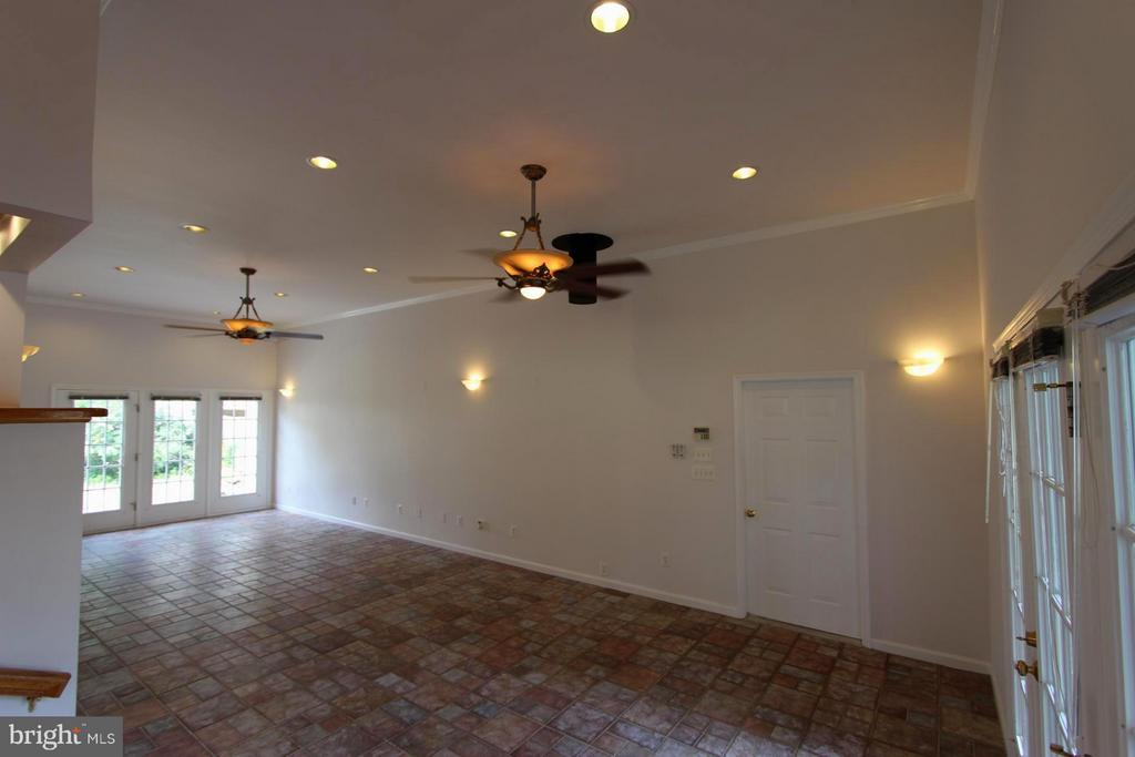 High Ceilings & Tons of Natural Light - 1915 ANDERSON RD, FALLS CHURCH