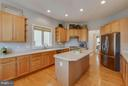 Lots of workable space - 23359 RAINBOW ARCH DR, CLARKSBURG