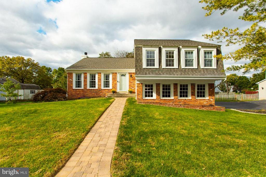 Welcome home! - 4338 CUB RUN RD, CHANTILLY