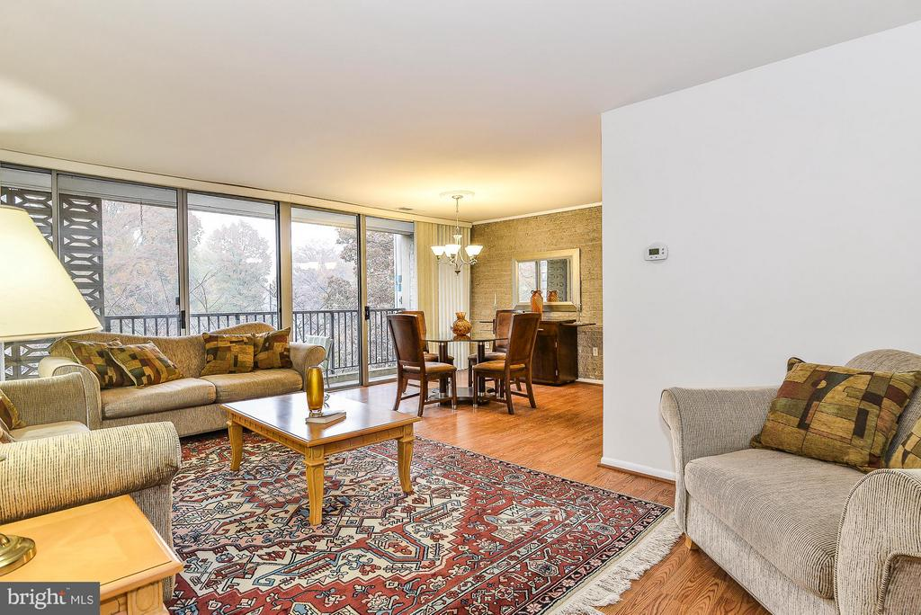 Living Room/Dining Room Combo from main entry - 4420 BRIARWOOD CT N #41, ANNANDALE