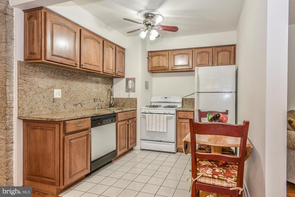 Kitchen - 4420 BRIARWOOD CT N #41, ANNANDALE