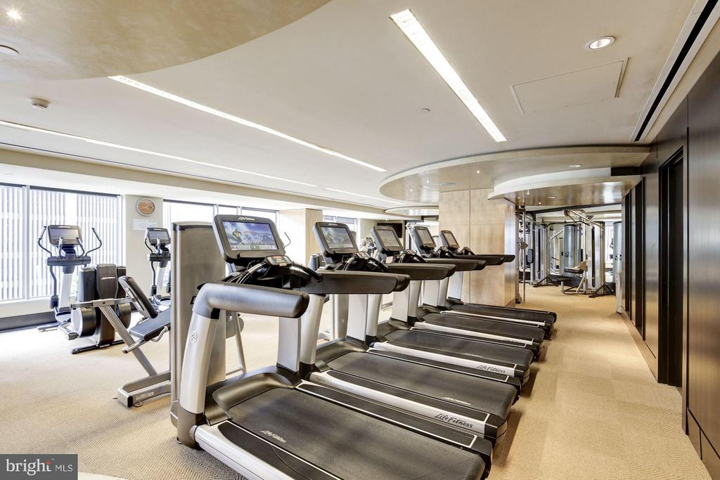 Fitness Center - 1111 19TH ST N #2107, ARLINGTON