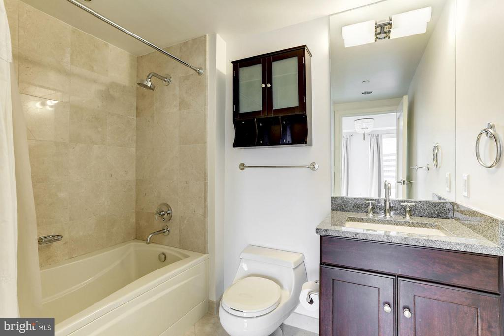 Full Bath #2 - 1111 19TH ST N #2107, ARLINGTON