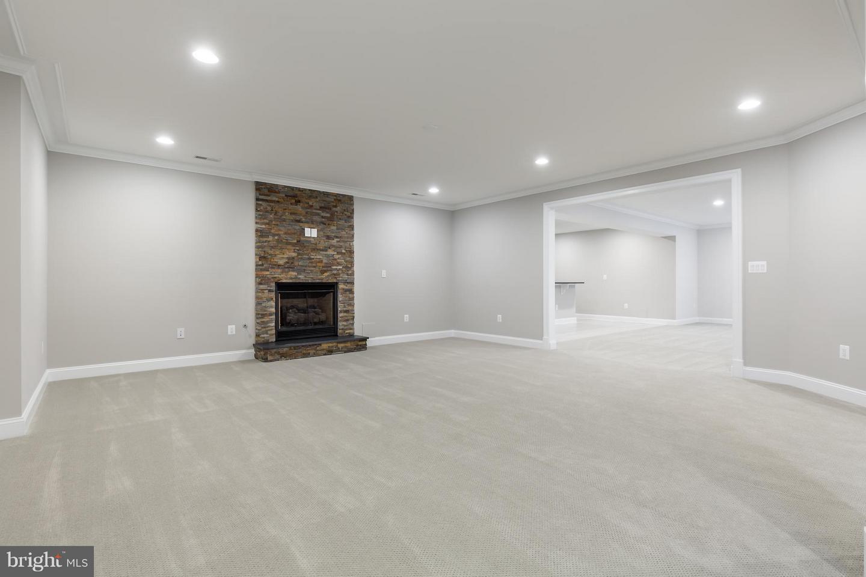 Additional photo for property listing at 13630 Shreve St 13630 Shreve St Centreville, Virginia 20120 United States