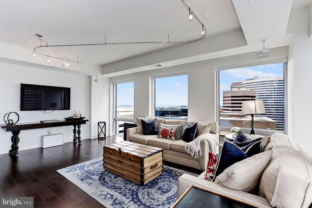 Living Room - 1111 19TH ST N #2107, ARLINGTON