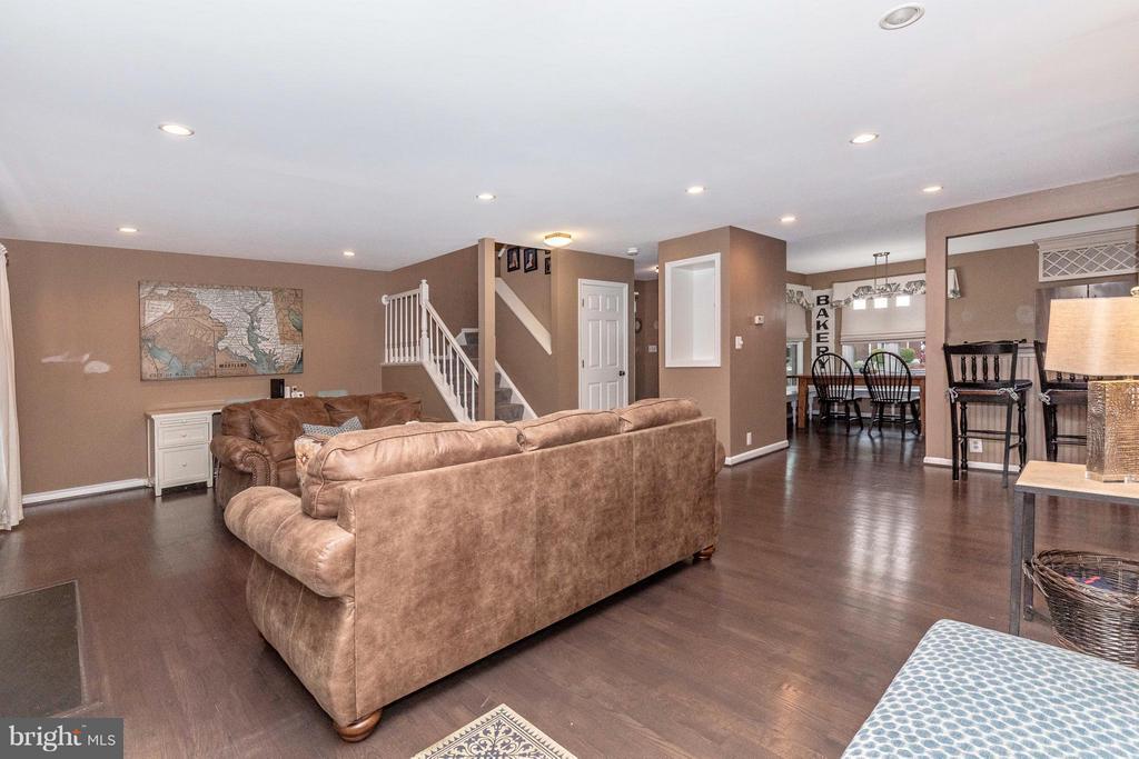 Living Room - 10095 HERON CT, NEW MARKET