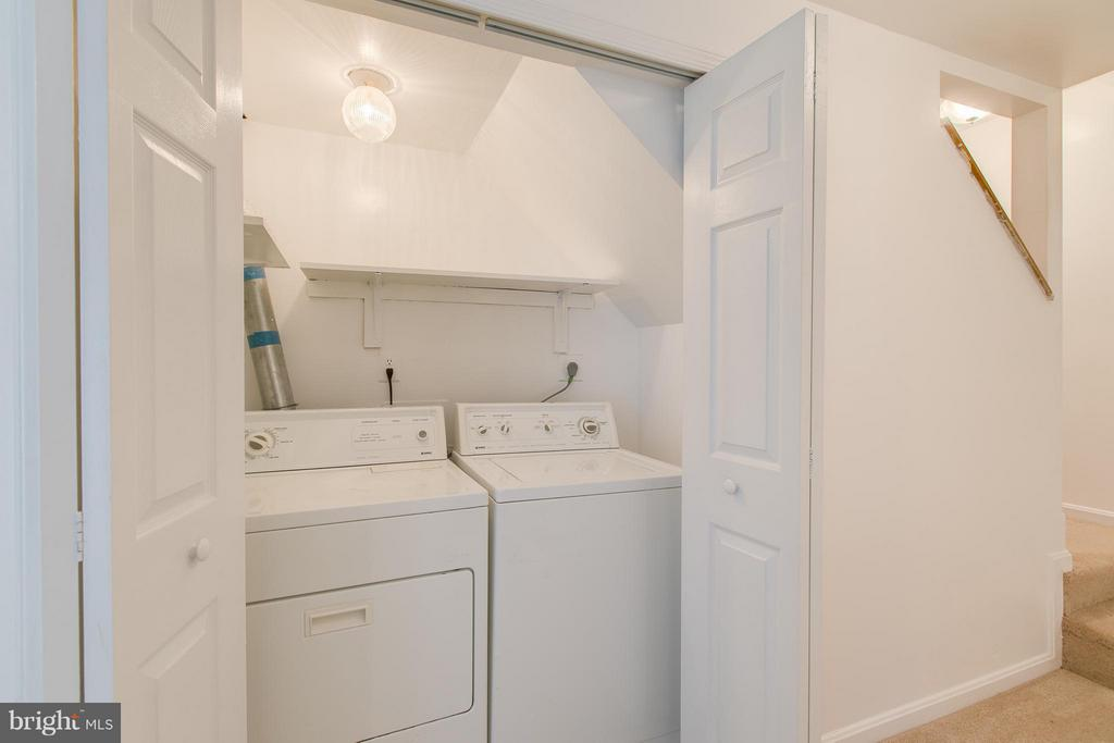 Laundry area with washer and dryer - 301 KNOLLWOOD CT, STAFFORD
