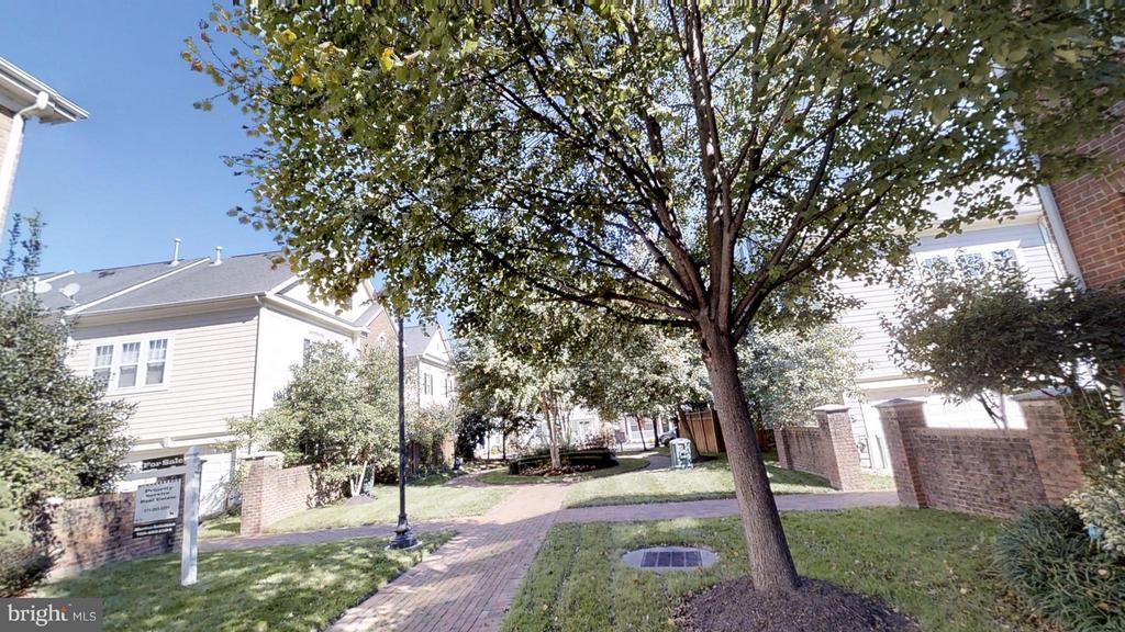 Monument Square - 805 MONUMENT SQ, WOODBRIDGE