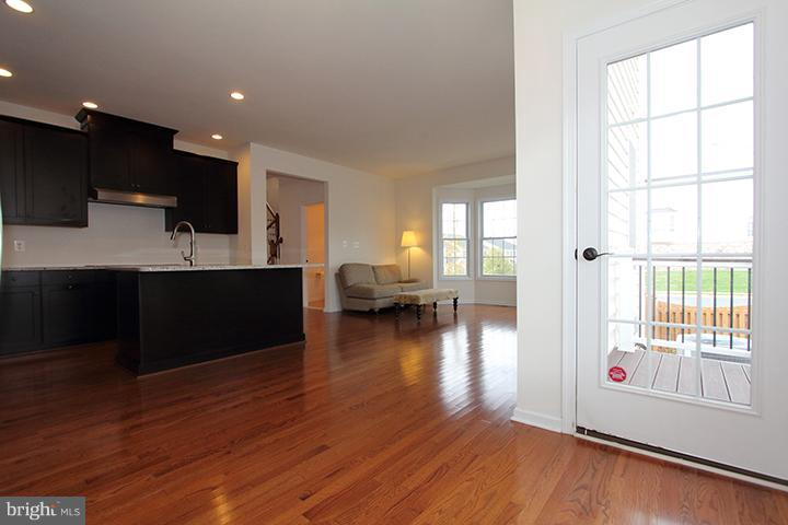 Eat in kitchen with plenty of room for a table - 301 ADDIVON TER, PURCELLVILLE