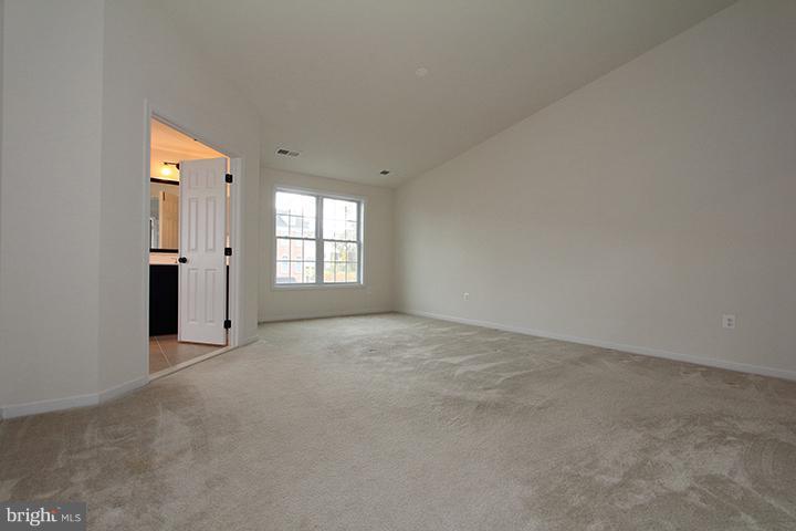 Recreation room-alt view - 301 ADDIVON TER, PURCELLVILLE