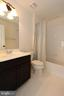 Upper level hall bathroom - 301 ADDIVON TER, PURCELLVILLE