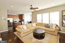 Cozy Family Room - 23382 HIGBEE LN, ASHBURN