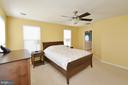 Great Master Bedroom with Walk-in Closet - 23382 HIGBEE LN, ASHBURN