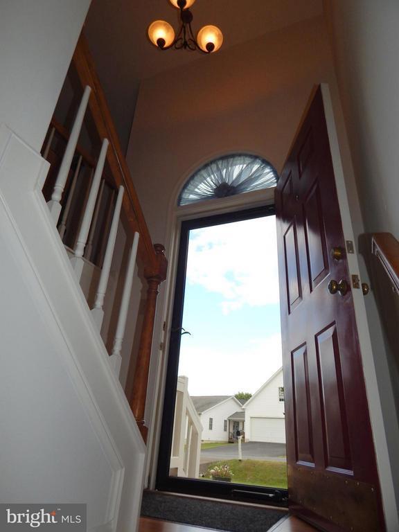 2 story Foyer/entryway - 11604 BRIAN DR, FREDERICKSBURG