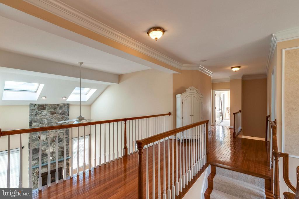 Hardwood Floors on Stairs and Upper Hallway - 19917 INTERLACHEN CIR, ASHBURN