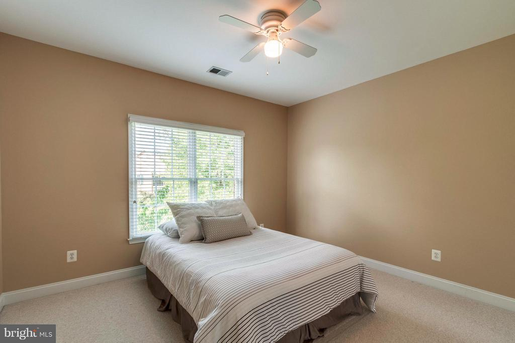 Large Bedroom #2 - 19917 INTERLACHEN CIR, ASHBURN