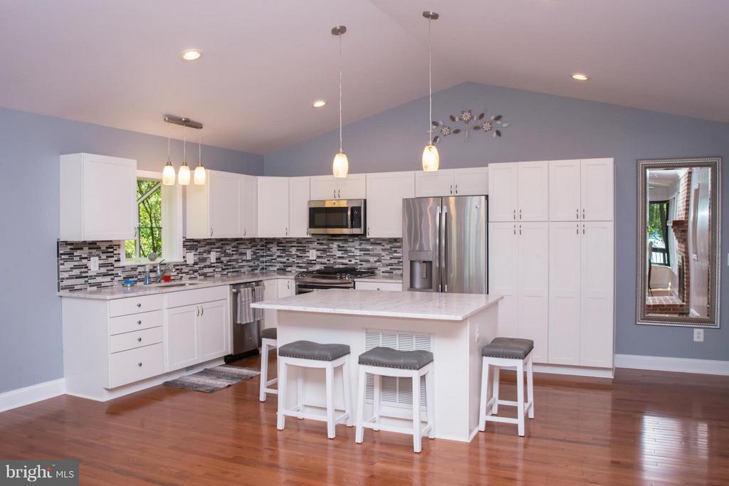 Kitchen - 6325 ROPE SWING CT, SPOTSYLVANIA