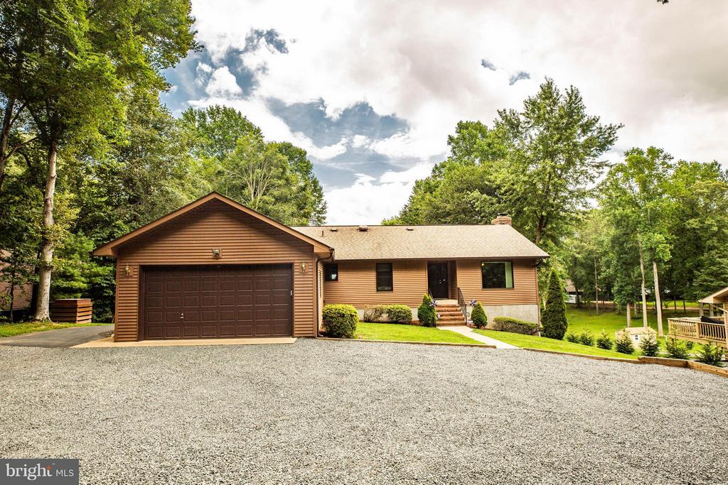 Welcome Home to 3725 Breaknock Rd. - 3725 BREAKNOCK RD, BUMPASS