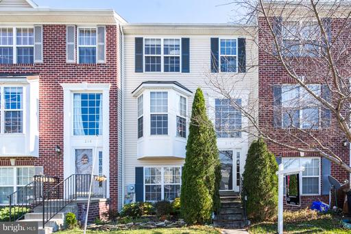 218 TIMBER VIEW CT