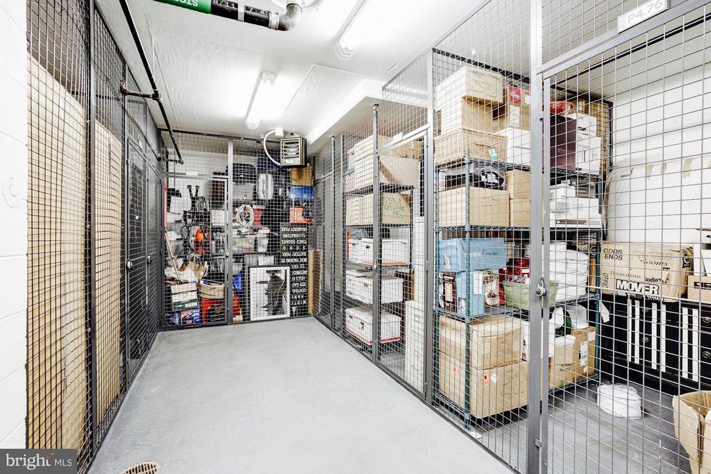 Private storage locker conveys. - 925 H ST NW #810, WASHINGTON